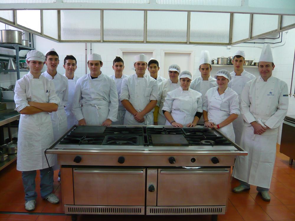 I e s pedro de luna los alumnos de pcpi ayudantes de cocina asisten al vi campeonato - Escuela de cocina zaragoza ...